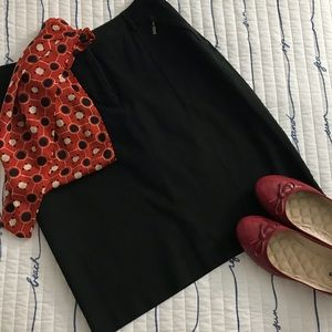 😍Black Casual skirt with 4 pockets. Size 8